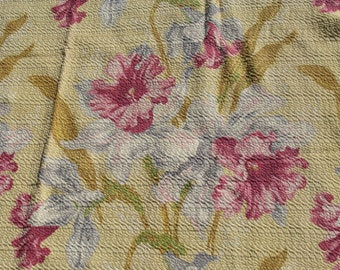 ONE Panel of Thick and Lush Vintage 1940's Barkcloth ~ Tropical Floral Hawaiian