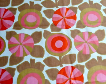 Vintage Fabric - Scandinavian Lollipop Flowers - 38 x 55