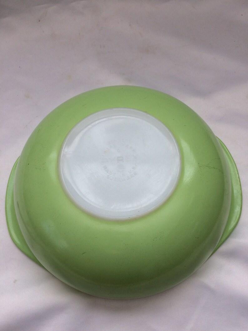 Vintage Lime Green Pyrex 2 Quart Casserole