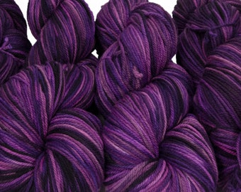 "Llineage Worsted "" Princess Of Punk Rock "" Semisolid Hand Dyed Yarn 160g / 400 yd"