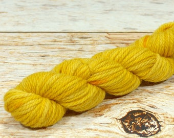 "Wee Llineage Worsted "" Straw To Gold "" Semisolid Hand Dyed Yarn 20 g / 50 yd"