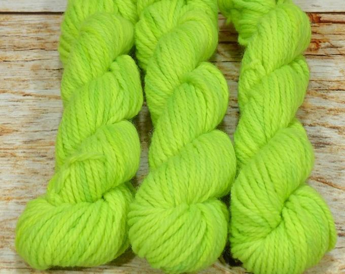 "Wee Llineage Worsted "" Phosphorescence "" Semisolid Hand Dyed Yarn 20 g / 50 yd"