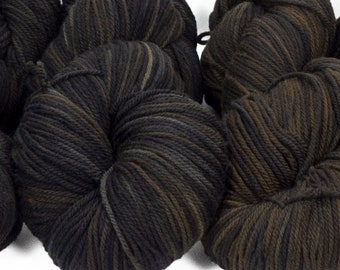"""Llineage Worsted """" Clever Raven """" Semisolid Hand Dyed Yarn 160g / 400 yd"""