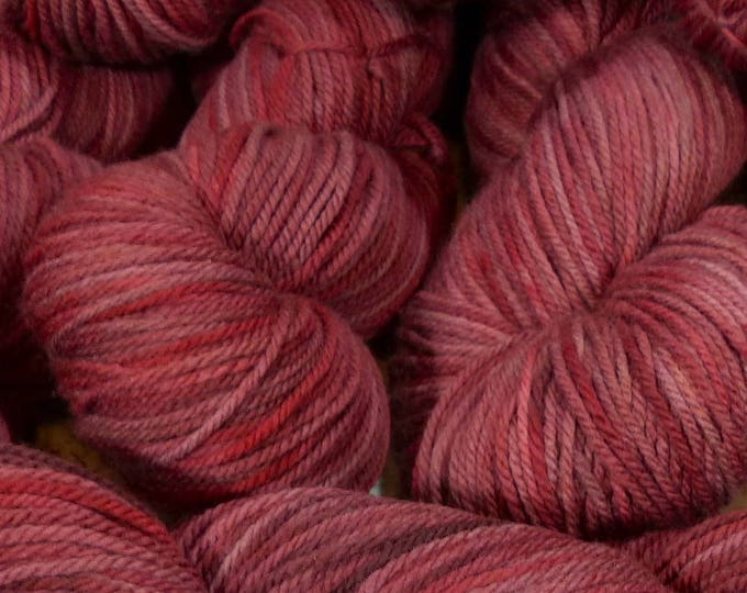 "Llineage Worsted "" Fruit Of The Underworld "" Semisolid Hand Dyed Yarn 160g / 400 yd"
