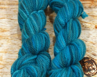 "Wee Llineage Worsted "" Undine "" Semisolid Hand Dyed Yarn 20 g / 50 yd"
