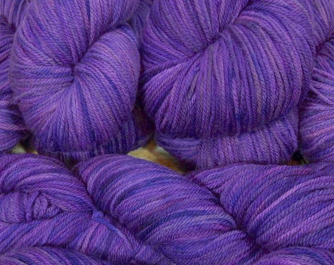 """Llineage Worsted """" Lavendula """" Semisolid Hand Dyed Yarn 160g / 400 yd"""