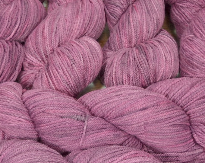 """Llineage Worsted """" Autumn Orchid """" Semisolid Hand Dyed Yarn 160g / 400 yd"""