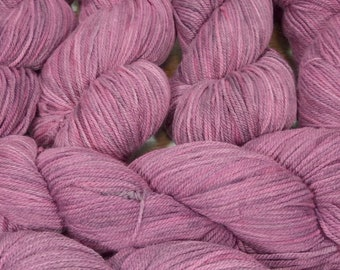 """Llineage Worsted """" Autumn Orchid """" Semisolid Targhee Hand Dyed Yarn 160g / 400 yd"""