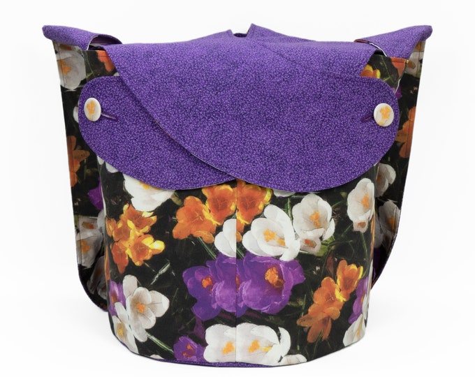 Crocus -Large Llayover Tote/ Knitting, Spinning, Crochet Project Bag