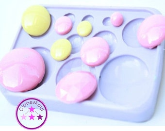 Circle Pendant/Cabochon/Earring  Silicone Rubber Mold; 10 mm, 12 mm, 14 mm, 16 mm , 18 mm, 20 mm, 2x 30 mm + 25 mm with Facettes