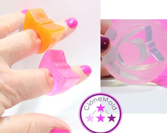 Ring Mold Pretty Bow ; Size 7.75