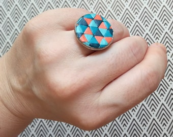 Ring adjustable geometric patterns in leather