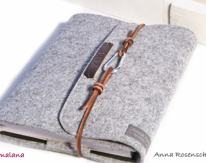 Featured listing image: personalized calendar sleeve / notebook sleeve grey, made of felt with embossed name brown leather strap carabiner gift book letters