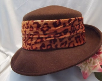 99dd04a3944 MINT Stunning Brown Wool Leopard Velour Band Formal   Fedora Hat - Mad Men  - Accessory - Womens - Vintage