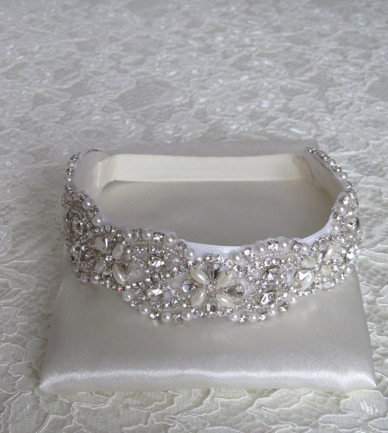 Crystal Wedding Garter: Pearl Crystal Rhinestone Bridal Garter SetWedding