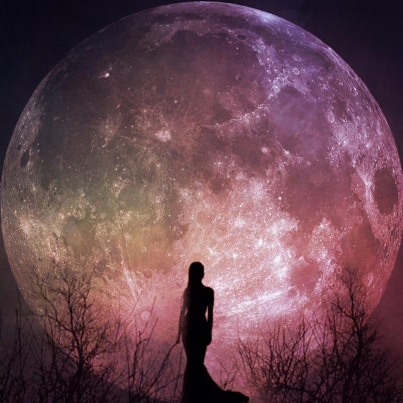 a408a8829ad Photo artistique de pleine lune la déesse femme silhouette
