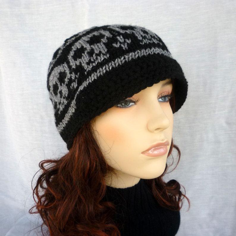 Knitted Skull hat for the skull lovers Newsboy
