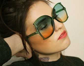 a78d1e0a51b 70 s 80 s Retro oversized disco green orange tinted lenses glitter frame  sunglasses