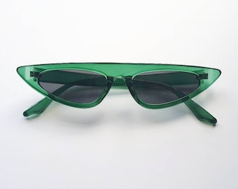 0caf94a00cba 50's 80's retro Hollywood bottle green & black tinted winged cat eye  sunglasses