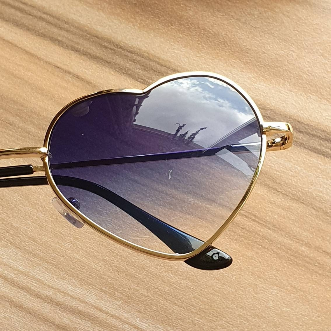 10/% OFF Reduced 70/'s 90/'s style blue ombre fade heart shaped sunglasses with gold frames