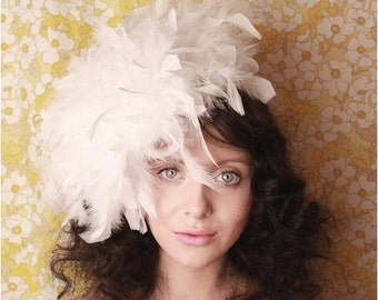 White fluffy feather hat fascinator retro vintage style