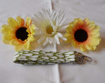 Keychain Wristlet - Green with White Raindrops