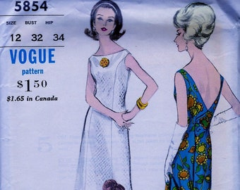 45507b14 UNCUT * Vintage Vogue Special Design Pattern 5854 - DRAMATIC Slim Back  Wrapped Evening Dress Gown & Stole - Size 12 * Bust 32