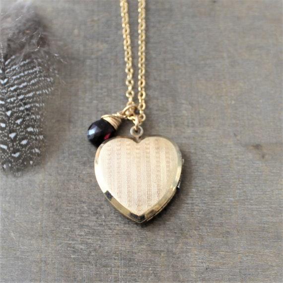 Gold Locket Necklace Vintage Locket Pendant January Birthstone Locket Gold Photo Locket Push Present Garnet Necklace Gold Heart Locket