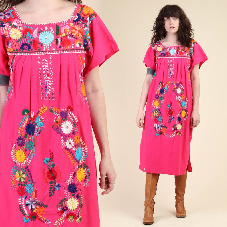 a56049930b2 Vintage 70s PINK EMBROIDERED oaxacan dress XS S   mexican