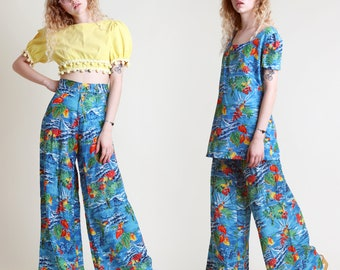 vintage 70s HAWAIIAN tropical MATCHING SET two piece outfit size xs / shirt tunic top palazzo pants bell bottoms 1970s extra small