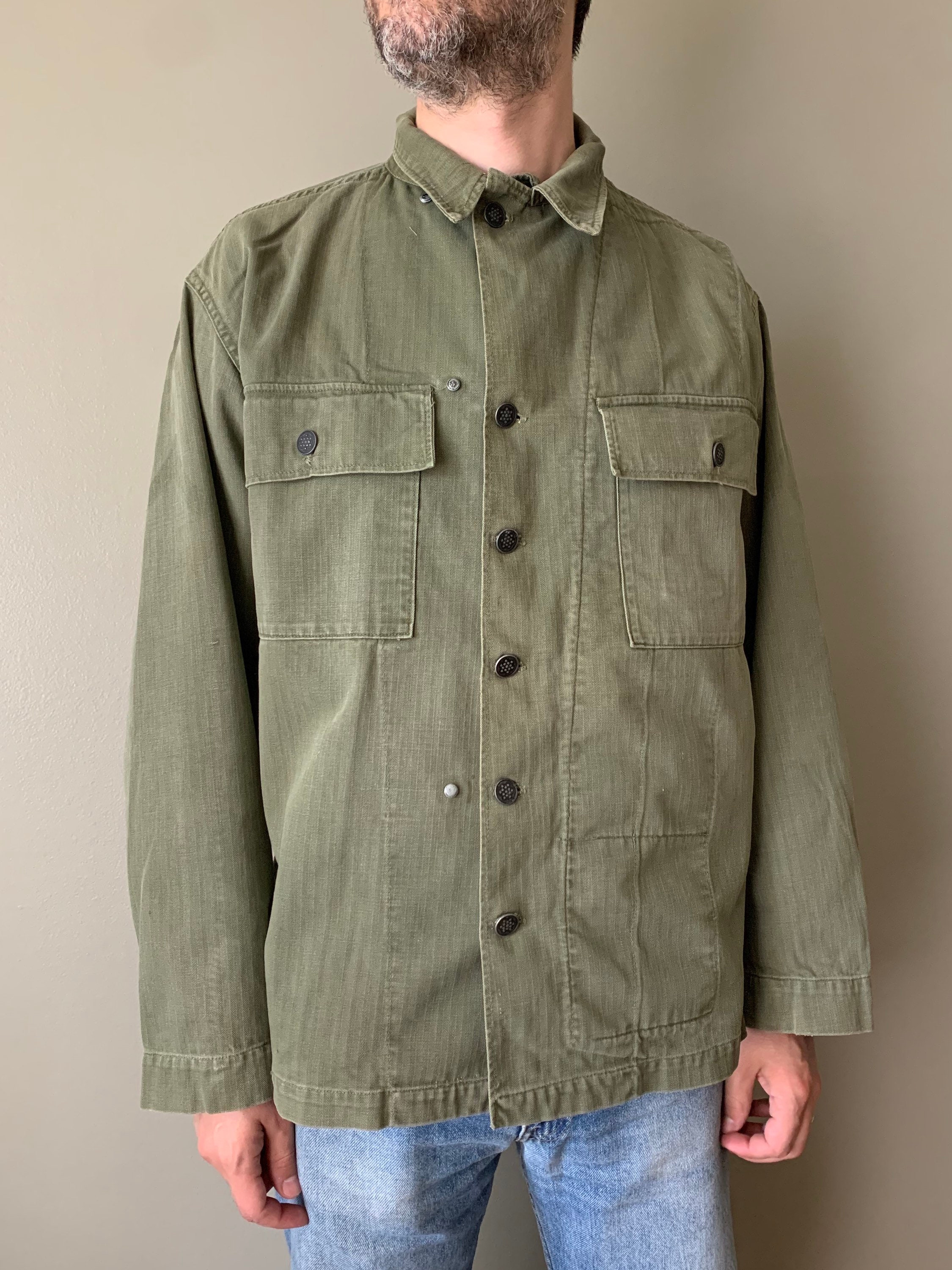 1940s Men's Shirts, Sweaters, Vests 1940S Wwii Herringbone Twill Us Army Field JacketVintage Antique Hbt Shirt 13 Star Buttons Size Medium 1942 Sage Green Light Shade $160.00 AT vintagedancer.com
