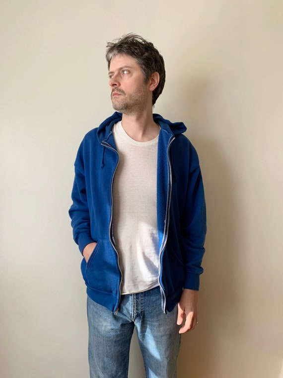1980s Berry Blue Basic Hoodie / Russell Jerzees Me