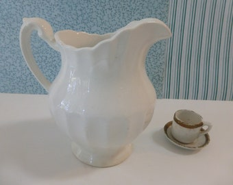 Vintage J & G Meakin Classic White Creamer Made in England Farmhouse Ironstone