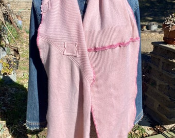 Pink cashmere scarf with patches