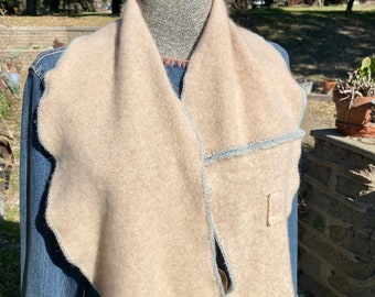 Soft beige cashmere scarf with patches