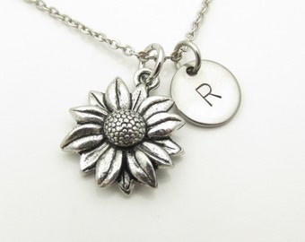 Daisy Necklace, Daisy Flower Charm Necklace, Personalized, Monogram Initial Necklace, Antique Silver Daisy, Daisy Pendant Necklace Y389