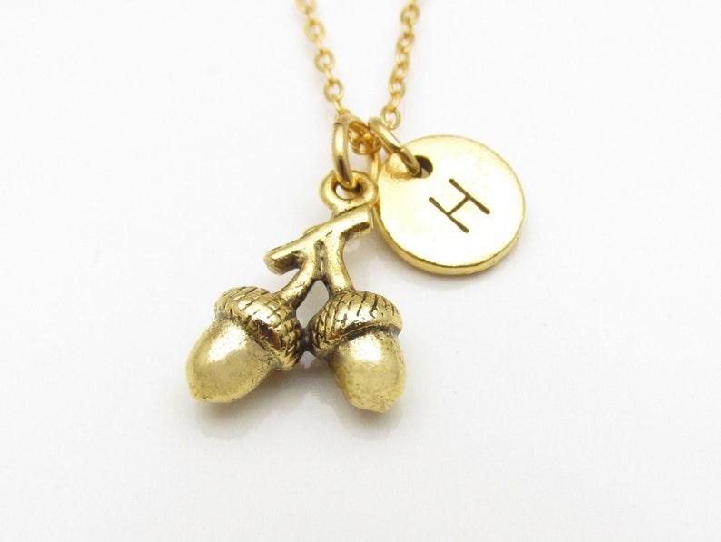 4dfc18c0f574 Collar bellota bellota oro rama encanto collar inicial
