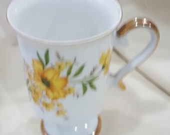 Footed mug INARCO