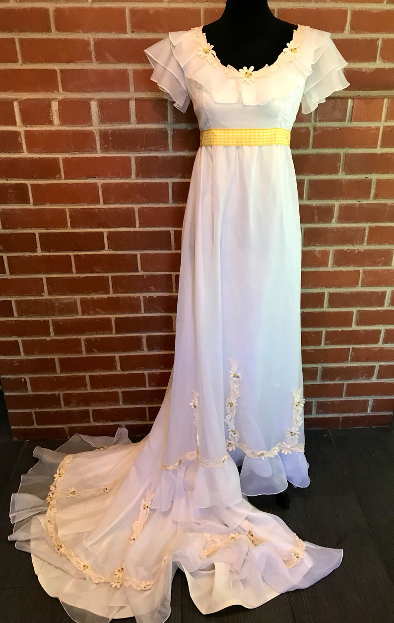 44498ac42c98 Vintage 70s daisy embellished wedding formal gown