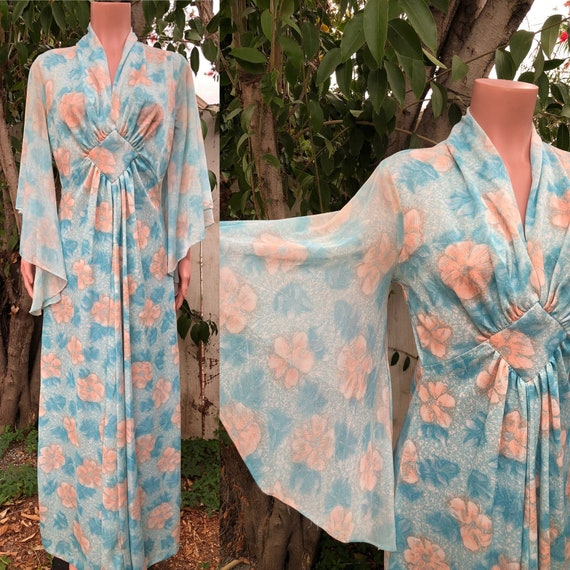 Vintage 70's Maxi Dress / Butterfly Sleeve Dress /