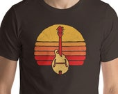 Vintage Style Mandolin & Sun Graphic Design Short-Sleeve Unisex T-Shirt