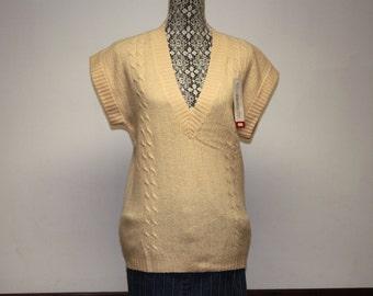 Vintage women's vest sweater - Short Sleeve Peach Evan-Picone long wool vest size small unused