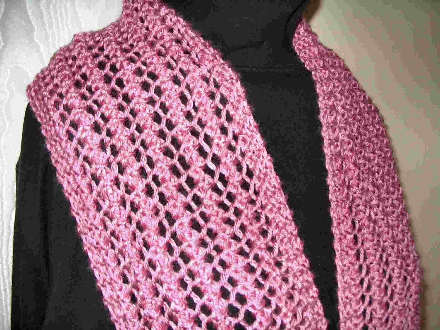 Knitted lace scarf - Four patterns in One Easy to knit one row lace ...