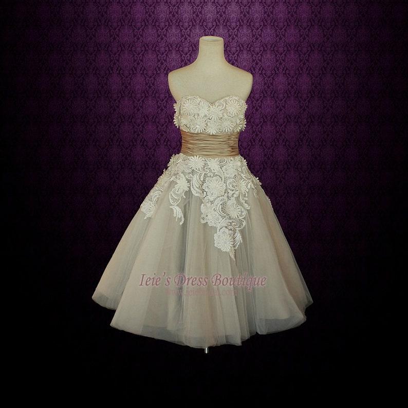 2f0f0a4a5ccc Short Wedding Dress with Daisy Flower Applique Retro Wedding | Etsy