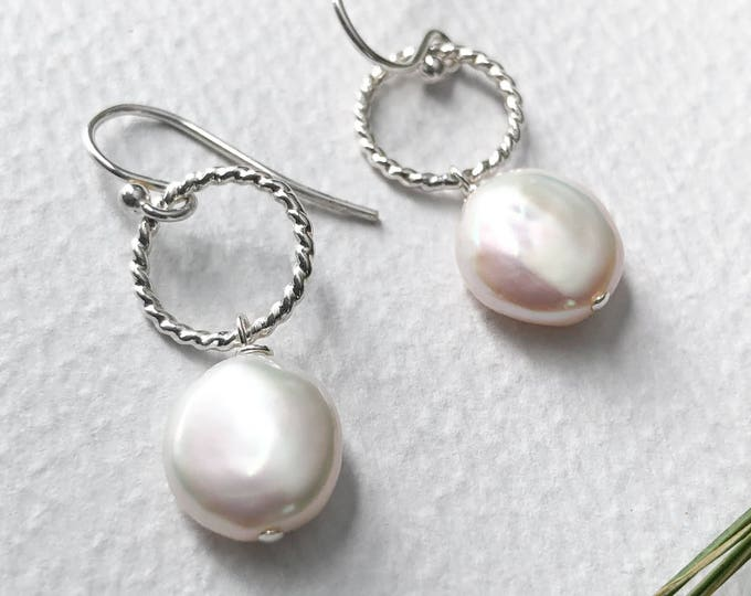 Twisted Circle Coin Pearl Earrings