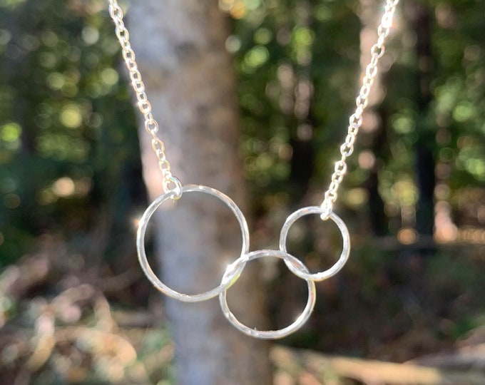 Small Three Circle Necklace