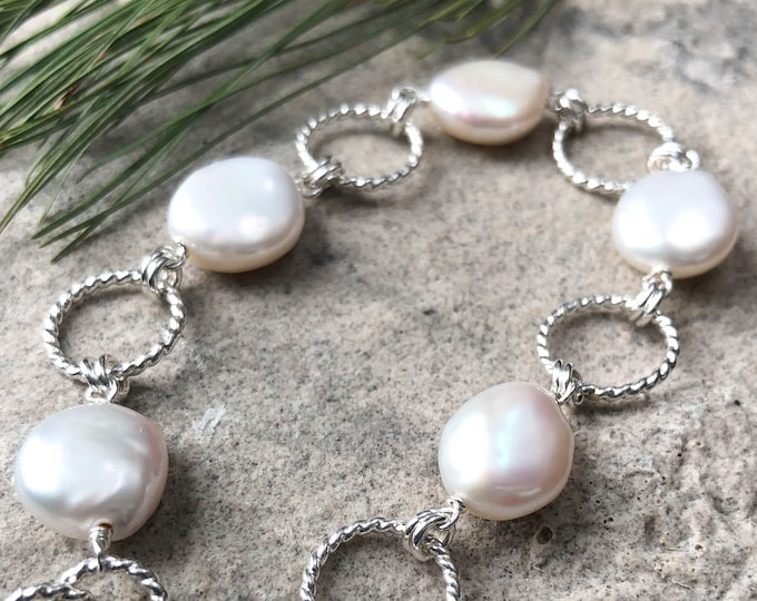 Twisted Circle Coin Pearl Bracelet