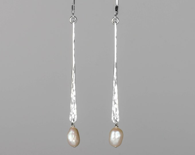 Hammered Bar Pearl Earrings