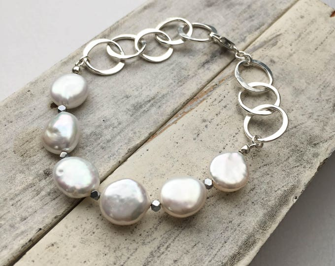 Coin Pearl Circle Link Bracelet
