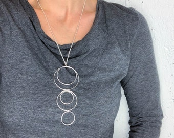 Hammered Silver Dropping Rings Necklace
